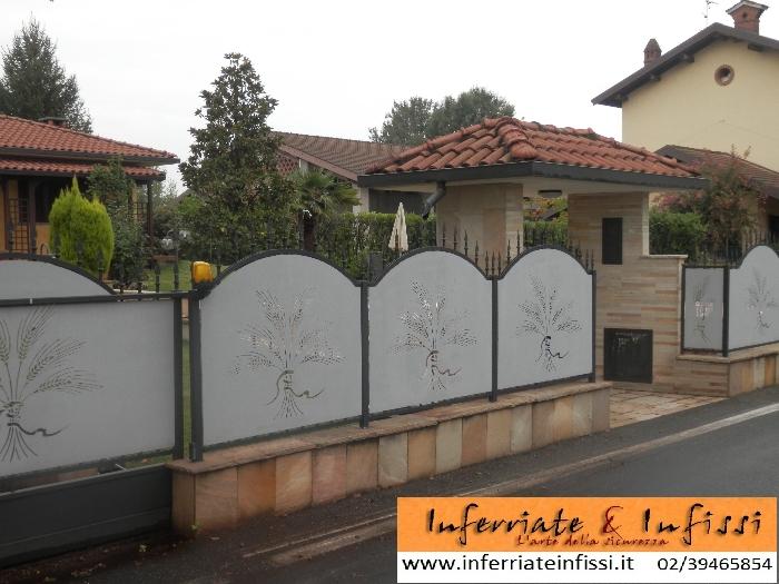 Recinzioni e parapetti inferriate infissi fabbro for Recinzioni in muratura per ville