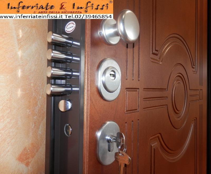 Inserimento nella tua porta blindata della serratura a - Cilindro porta blindata ...
